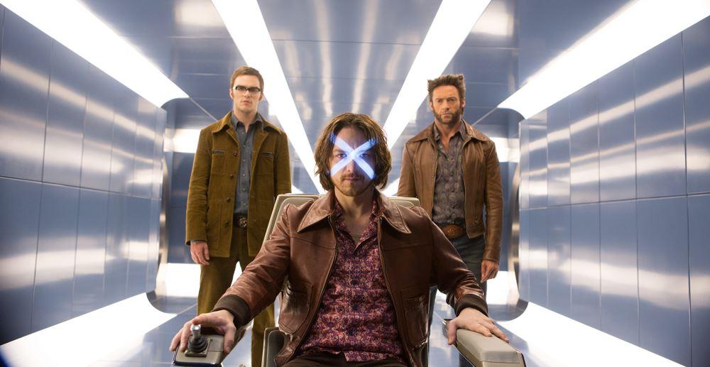 Wolverine reist in der Zeit zurück und findet den jüngeren Charles F. Xavier.