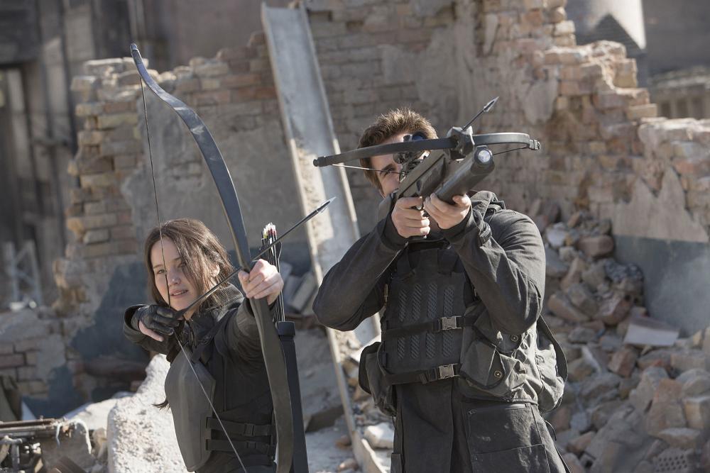 Katniss und Gale sehen sich prompt auf Seiten des Widerstands.