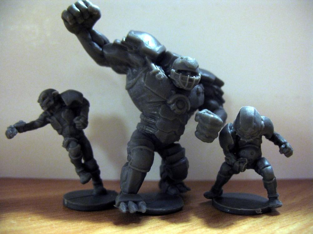 Die Miniaturen der Hobgoblins und ihres Hulks fallen im Vergleich etwas ab