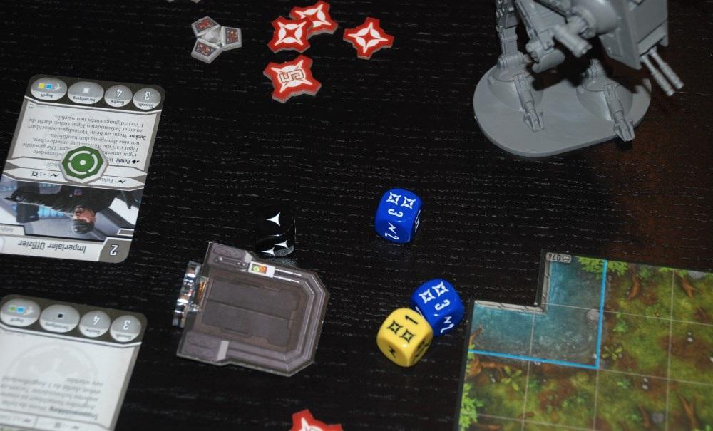Ein sehr schmerzhafter Angriffswurf. 6 Punkte Schaden auf bis zu 7 Feldern Entfernung und nur ein Punkt Rüstung dagegen.