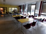 Der Aufbau der Tische vom Stadtteilzentrum im Foyer war recht einfach.